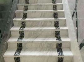 Монтаж ступеней лестниц